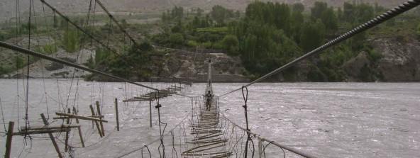 Most-Dangerous-Bridges-In-The-World-Hussaini-Hanging-Bridge